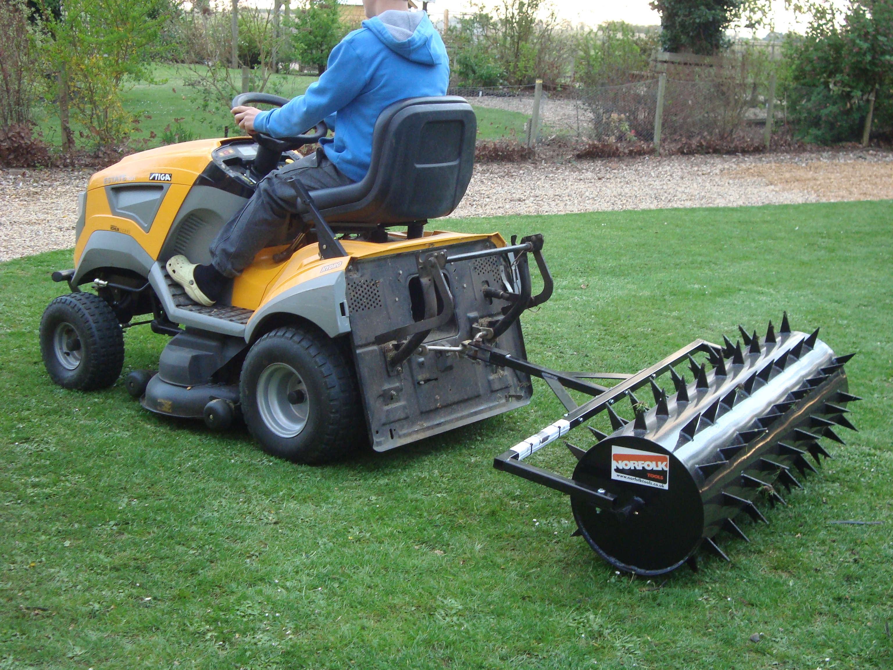 Lawn Roller Spiker 1 5m Norfolk Tools